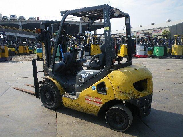 Cho thuê xe nâng 2 tấn, Dịch vụ nâng hạ hàng trong container trong kho