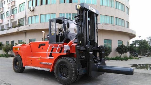 Cho thuê xe nâng 30 tấn, dịch vụ nâng hạ lắp đặt thiết bị máy móc